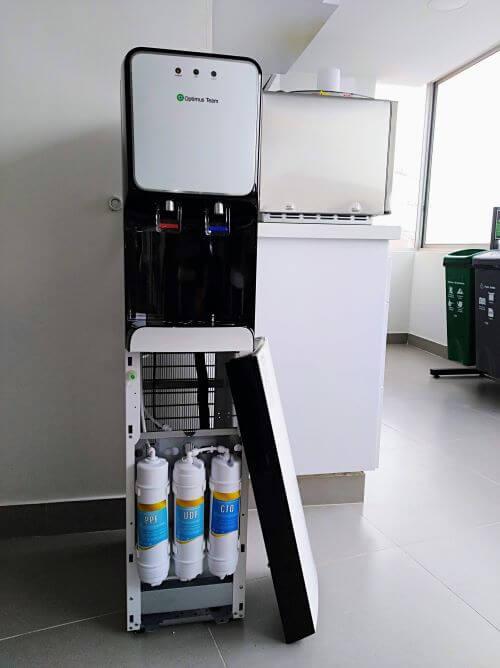 Dispensador de Agua con Filtros